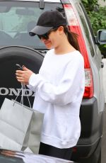 LEA MICHELE Leaves Brentwood Spa and Salon in Brentwood 01/19/2018