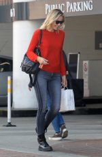 LESLIE BIBB Out Shopping in Beverly Hills 01/18/2018