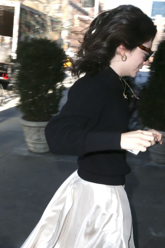LORDE Out and About in New York 01/24/2018
