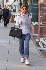 LORI LOUGHLIN Arrives at a Nail Salon in Beverly Hills 01/11/2018