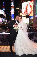 MARIA MENOUNOS Getting Married on New Year