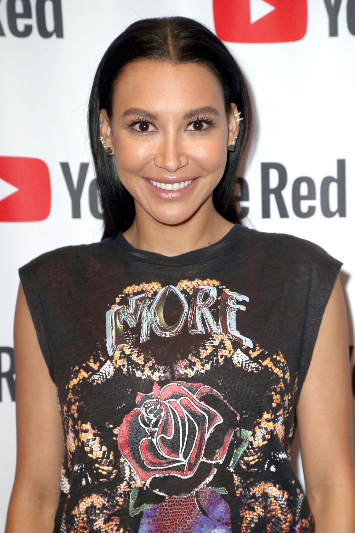 Here's a Cool Way to Wear Lavender Eyeshadow (Thanks Naya ...  |Naya Rivera
