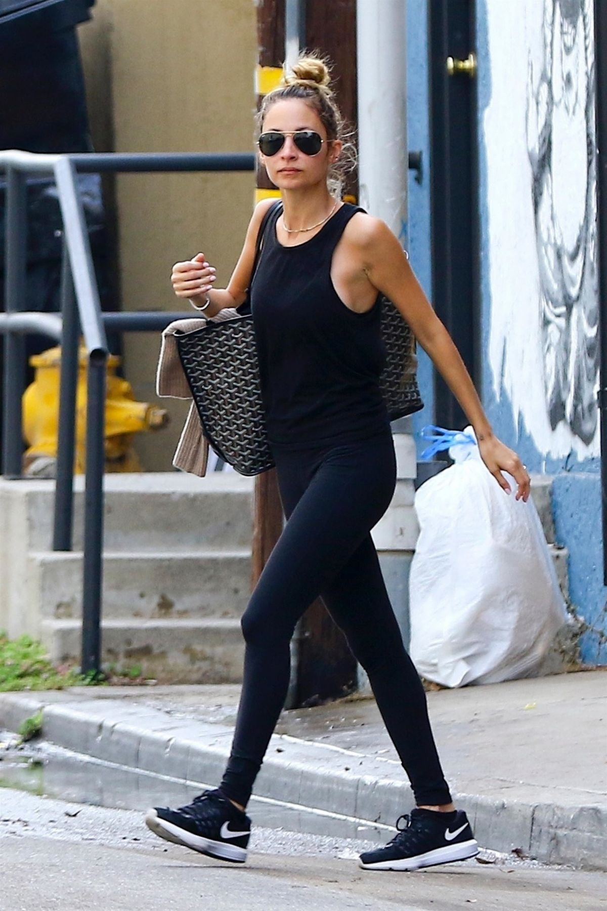 Nicole Richie Leaves Tracy Anderson Studio In Los Angeles