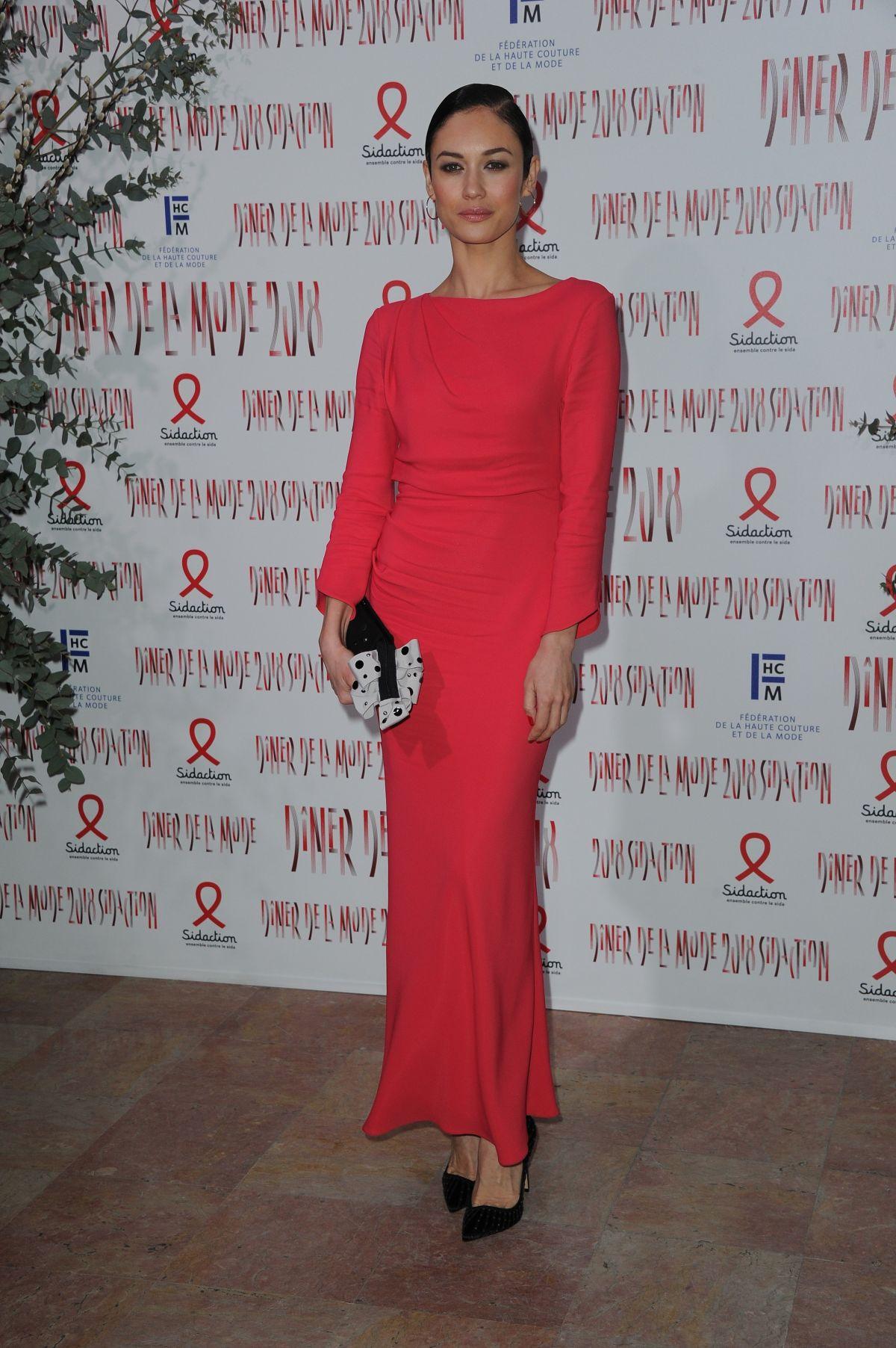 fuckyesolgakurylenko | Olga kurylenko, Black dress red