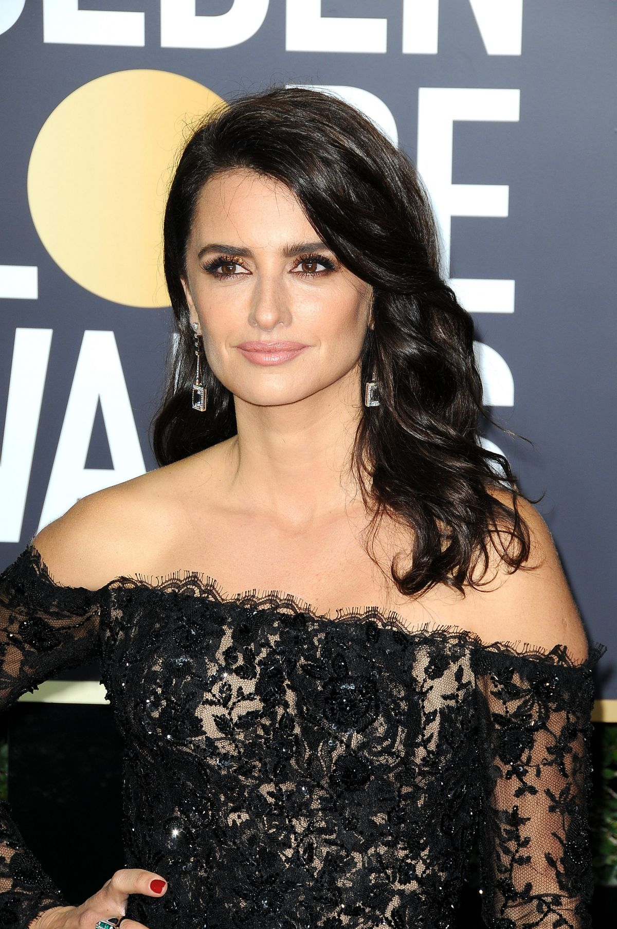Penelope Cruz At 75th Annual Golden Globe Awards In Beverly Hills 01 07 2018 Hawtcelebs