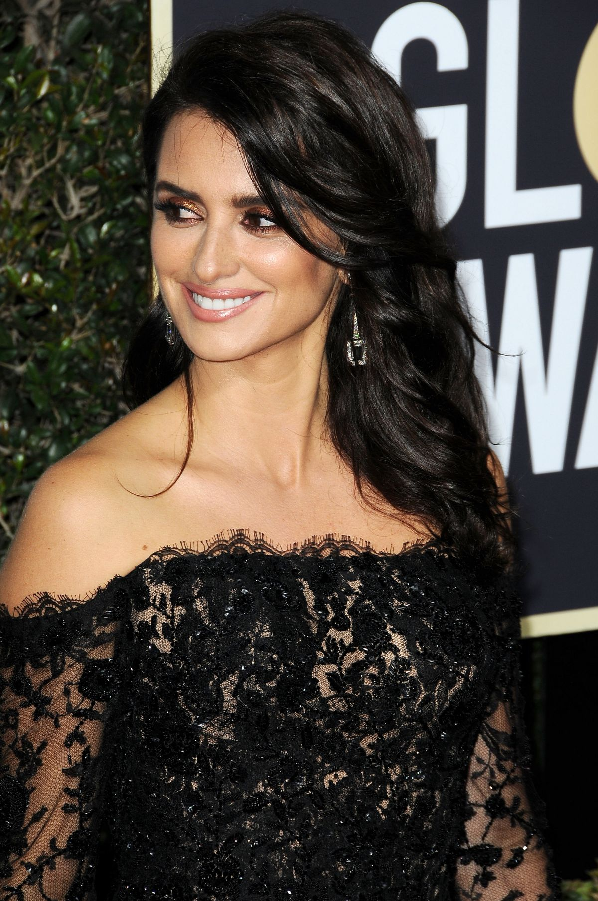 PENELOPE CRUZ at 75th Annual Golden Globe Awards in ... Penelope Cruz