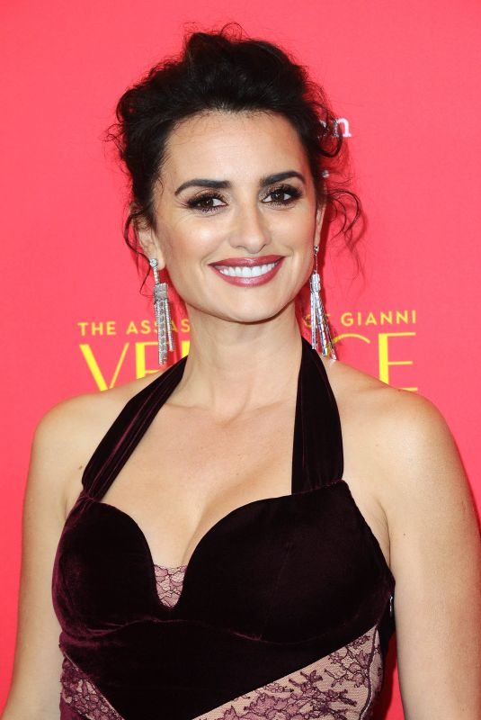 PENELOPE CRUZ at The Assassination of Gianni Versace: American Crime Story Premiere in Hollywood 01/08/2018
