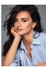 PENELOPE CRUZ in Elle Magazine, France January 2018