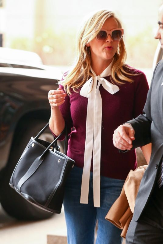 REESE WITHERSPOON Arrives at a Meeting in Century City 01/06/2018