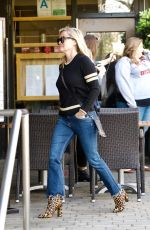 REESE WITHERSPOON Heading to a Spa in Brentwood 01/25/2018