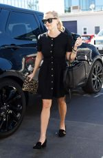 REESE WITHERSPOON Heading to Her Office in Brentwood 01/22/2018