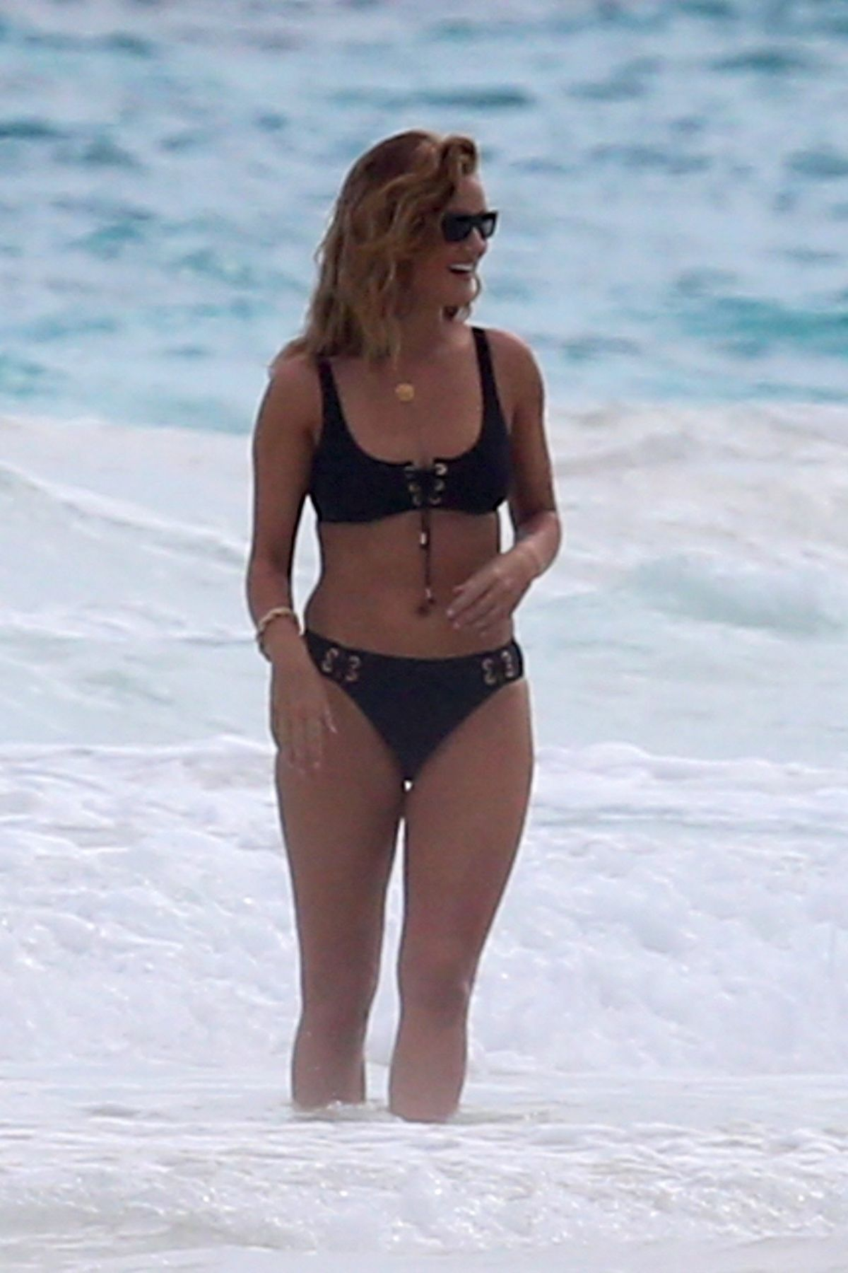 Rosie Huntington Whiteley Bikini Photoshoot at a Beach in the Bahamas Pic 8 of 35