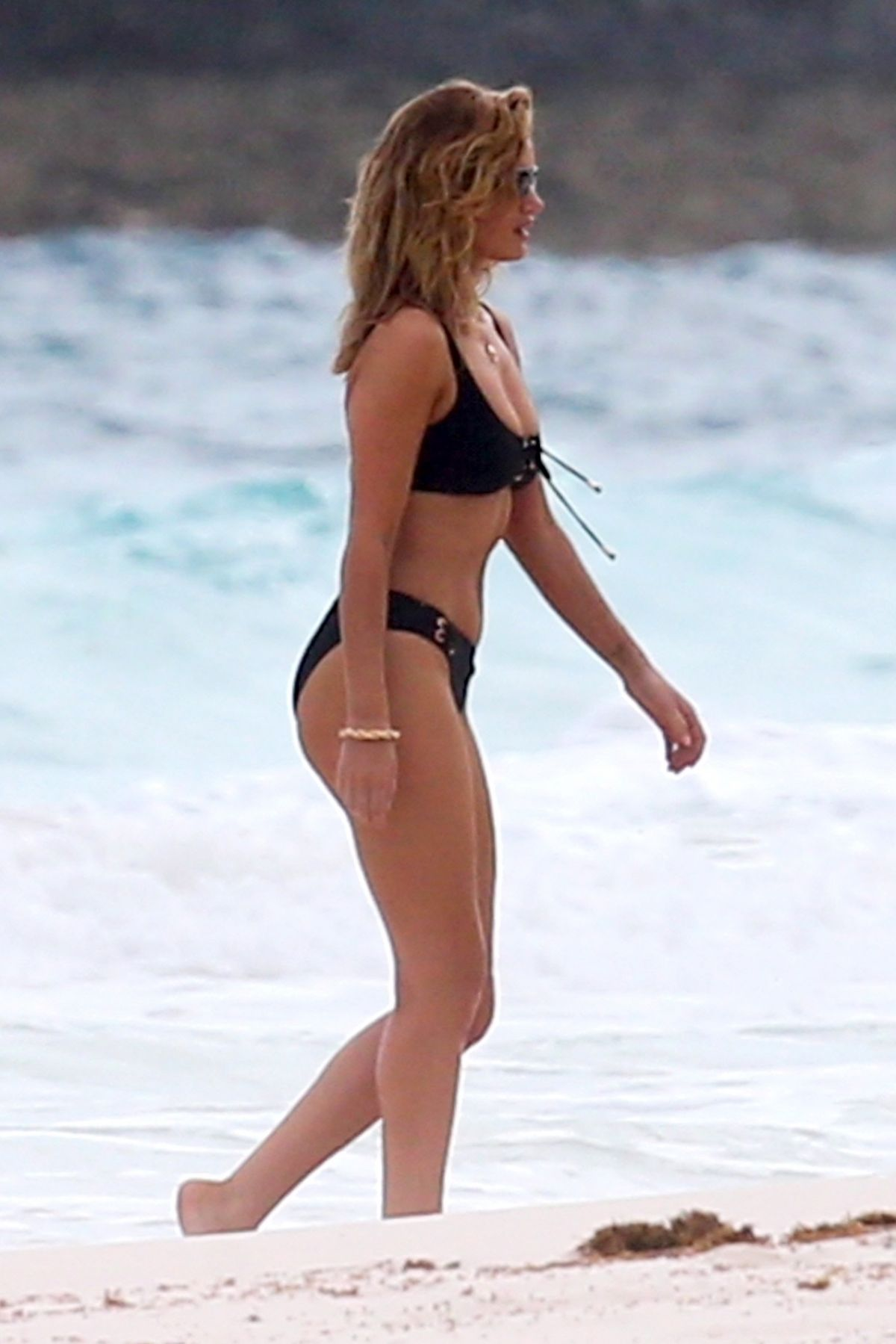 Rosie Huntington Whiteley Bikini Photoshoot at a Beach in the Bahamas Pic 1 of 35