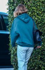ROSIE HUNTINGTON-WHITELEY Leaves Photoshoot in Miami 01/07/2018