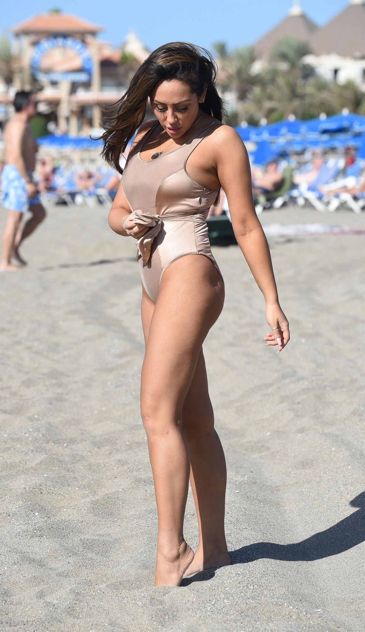 Sophie Kasaei in Pink Bikini on the beach in Lanzarote Pic 12 of 35