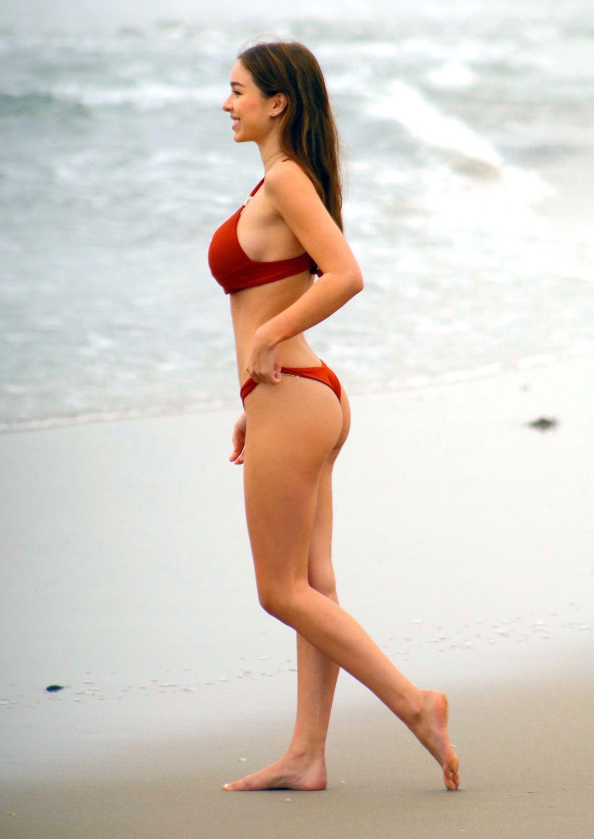 Sophie Mudd in Red Bikini on the beach in Malibu Pic 10 of 35