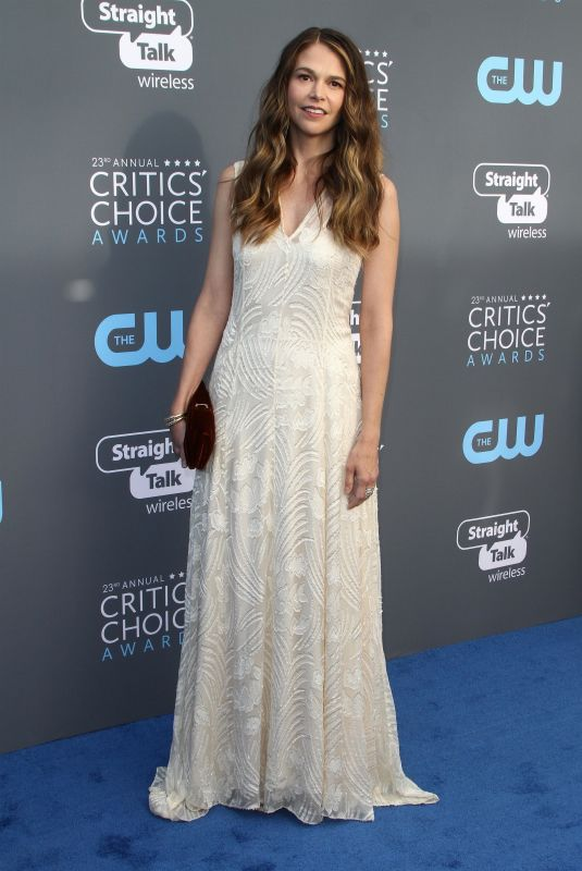 SUTTON FOSTER at 2018 Critics' Choice Awards in Santa Monica 01/11/2018
