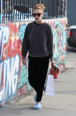 TALLULAH WILLIS Shopping at Sportie LA on Melrose Avenue in Los Angeles 01/30/2018