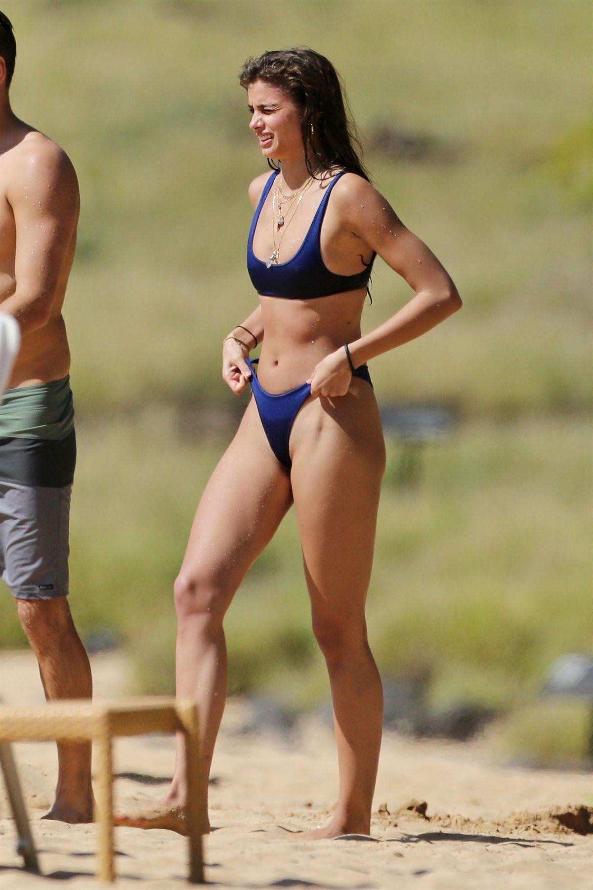 Taylor Hill Bikini nude 844