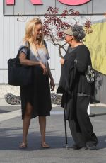 TYRA BANKS Leaves a Brunch with Her Mother in Venice 01/16/2018