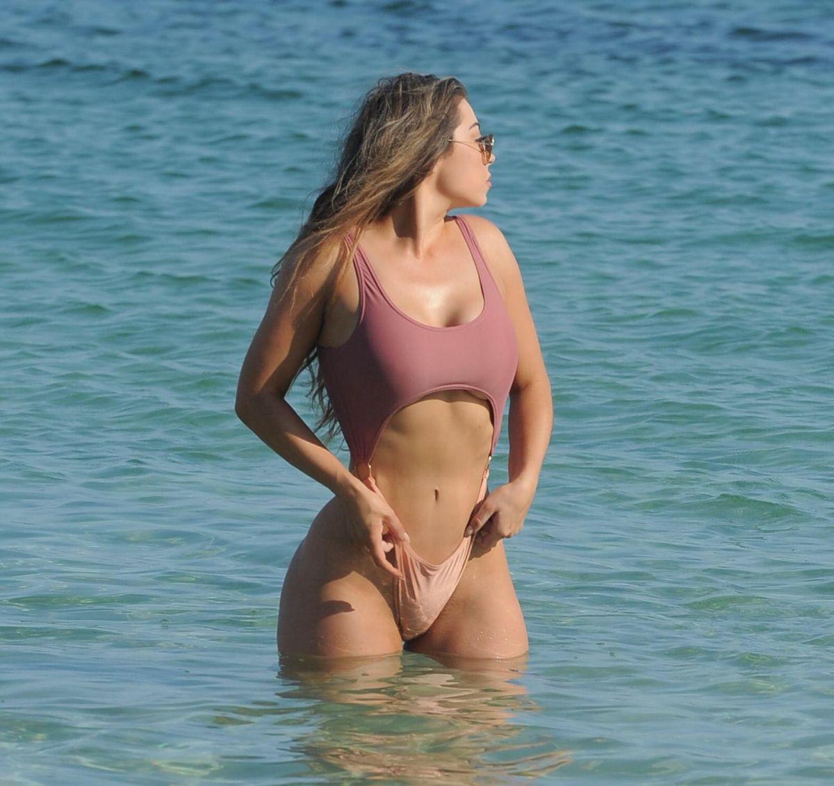 Bikini Abigail Clarke nudes (13 photo), Pussy, Fappening, Boobs, panties 2017