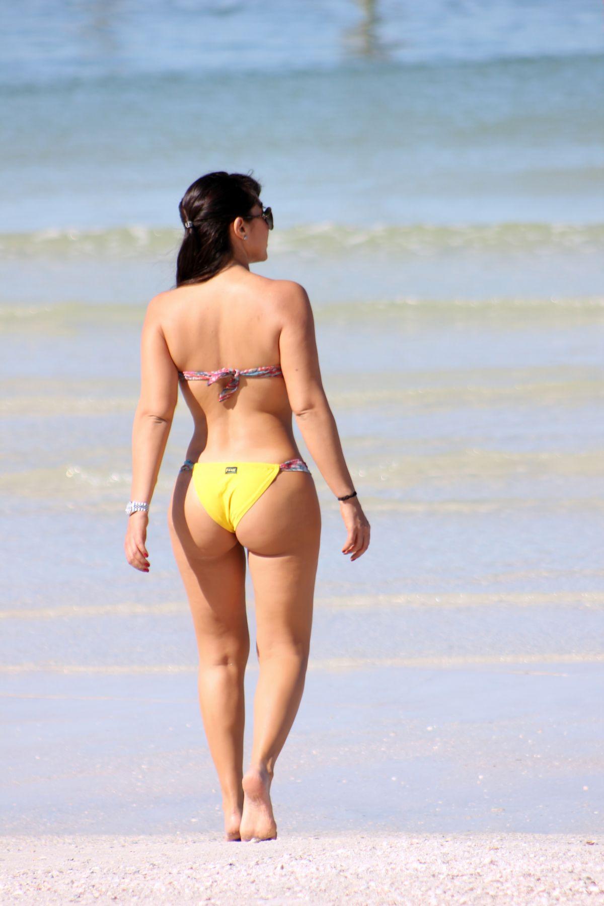 Andrea Calle in Bikini on the beach in Miami Pic 4 of 35