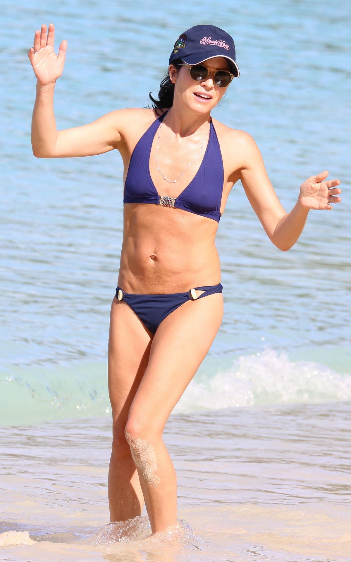 Andrea corr in bikini on the beach in barbados 02152018 hawtcelebs andrea corr in bikini on the beach in barbados 02152018 altavistaventures Images