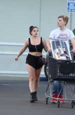ARIEL WINTER Shopping at Bed Bath and Beyond in Los Angeles 02/07/2018