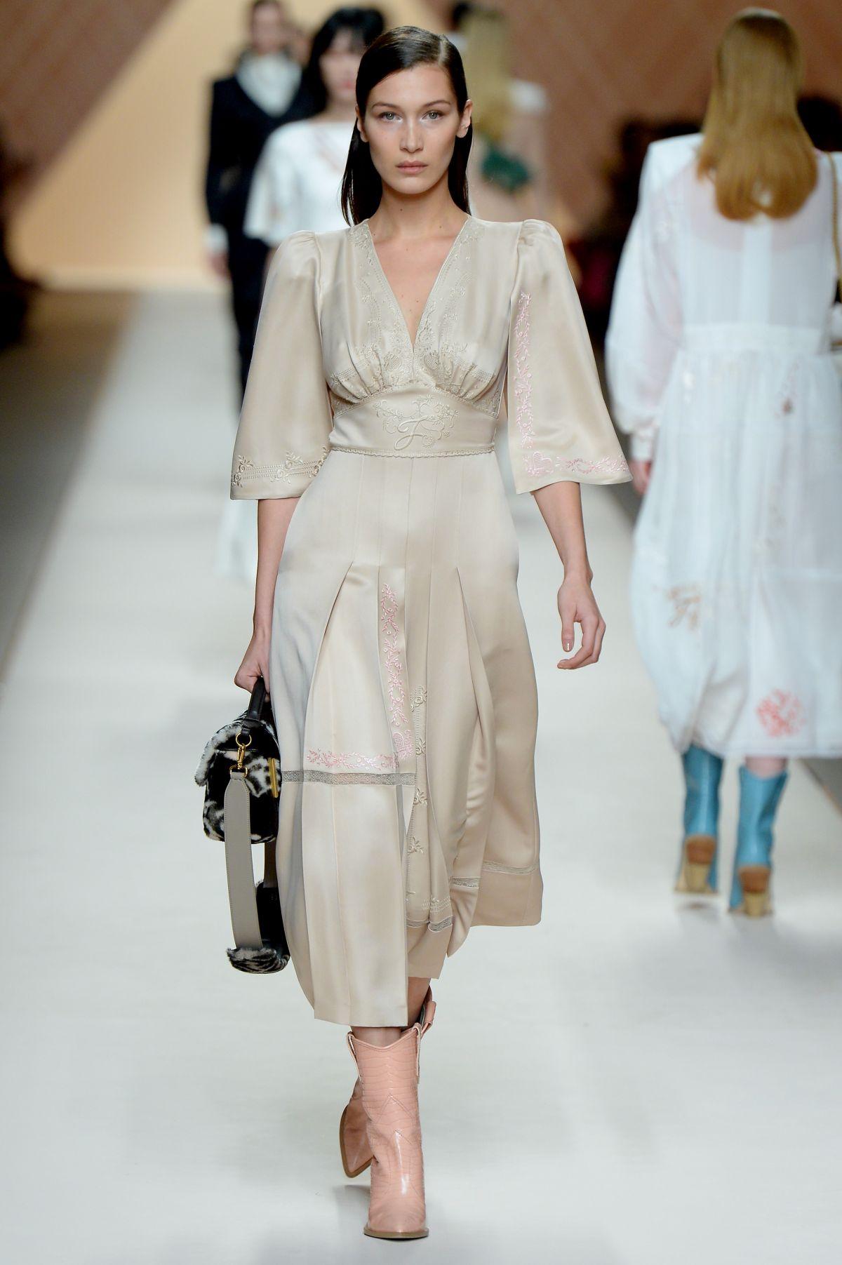 f8278e746053 BELLA HADID at Fendi Fall Winter Runway Show at Milan Fashion Week 02 22