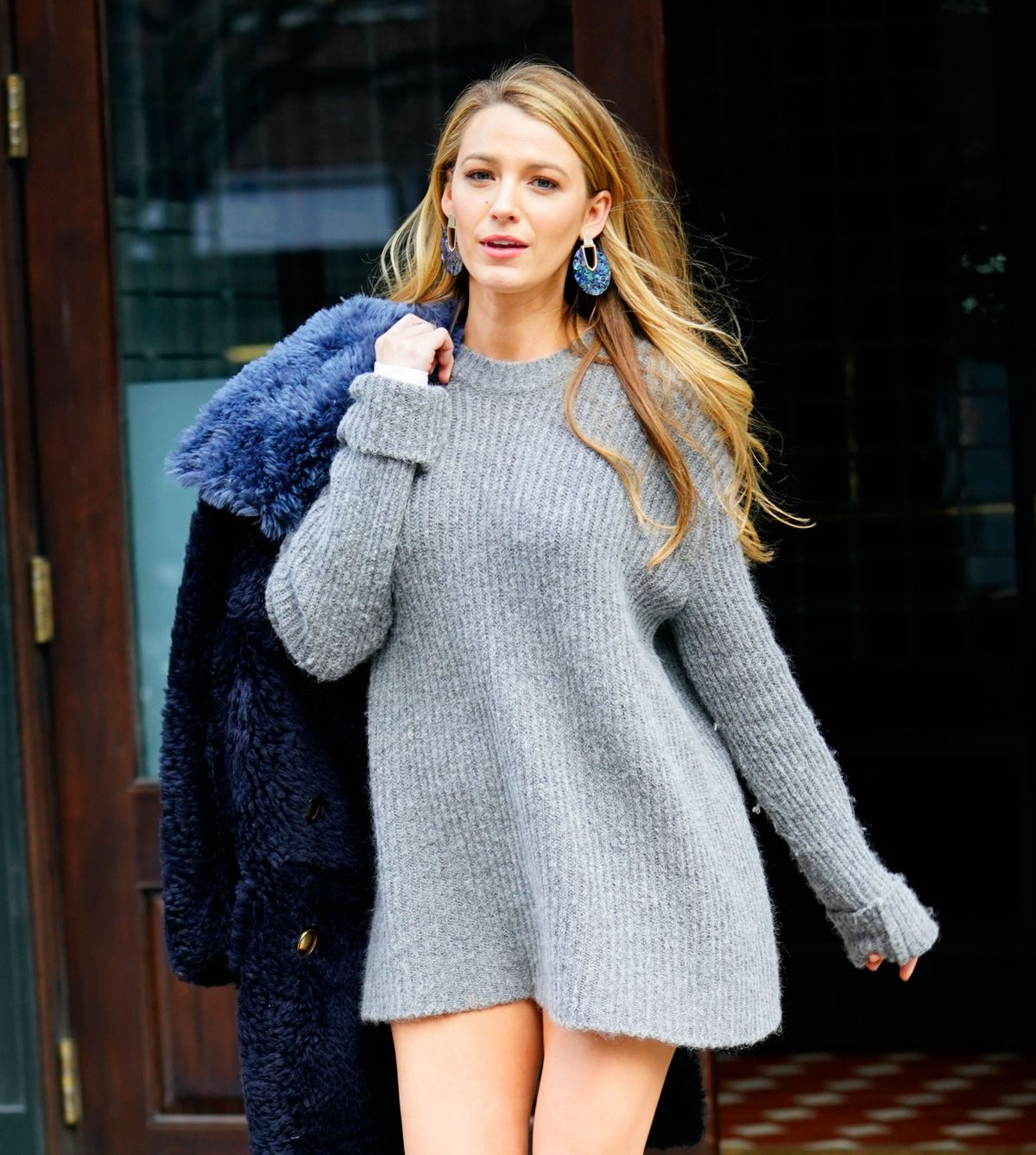 BLAKE LIVELY Out in Ne...