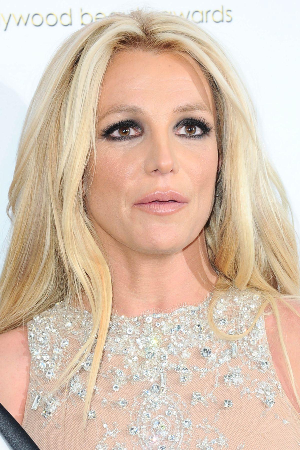 Britney Spears: Proud Soccer Mom!: Photo 2832418 | Britney