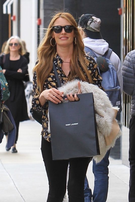 CAT DEELEY Shopping on Rodeo Drive in Beverly Hills 02/14/2018