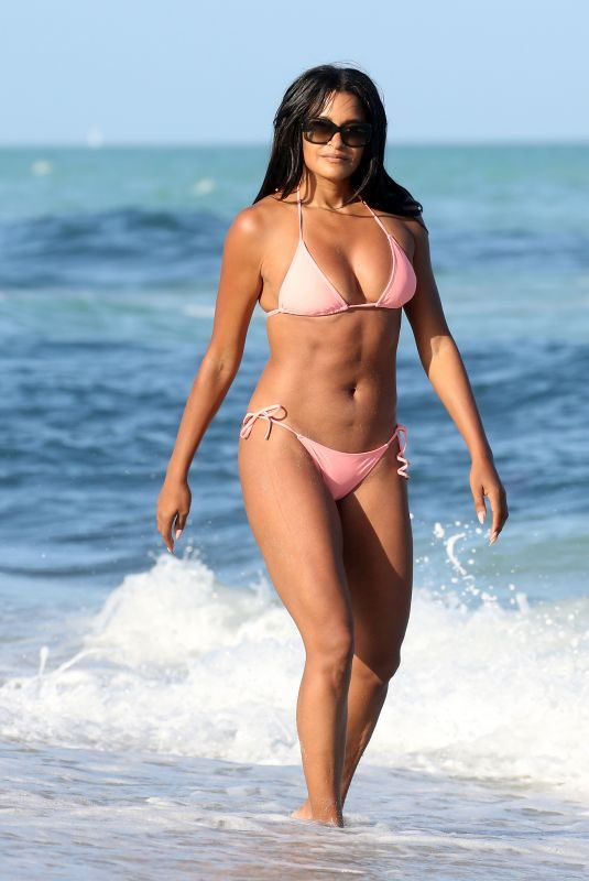CLAUDIA JORDAN in Bikini at a Beach in Miami 02/12/2018