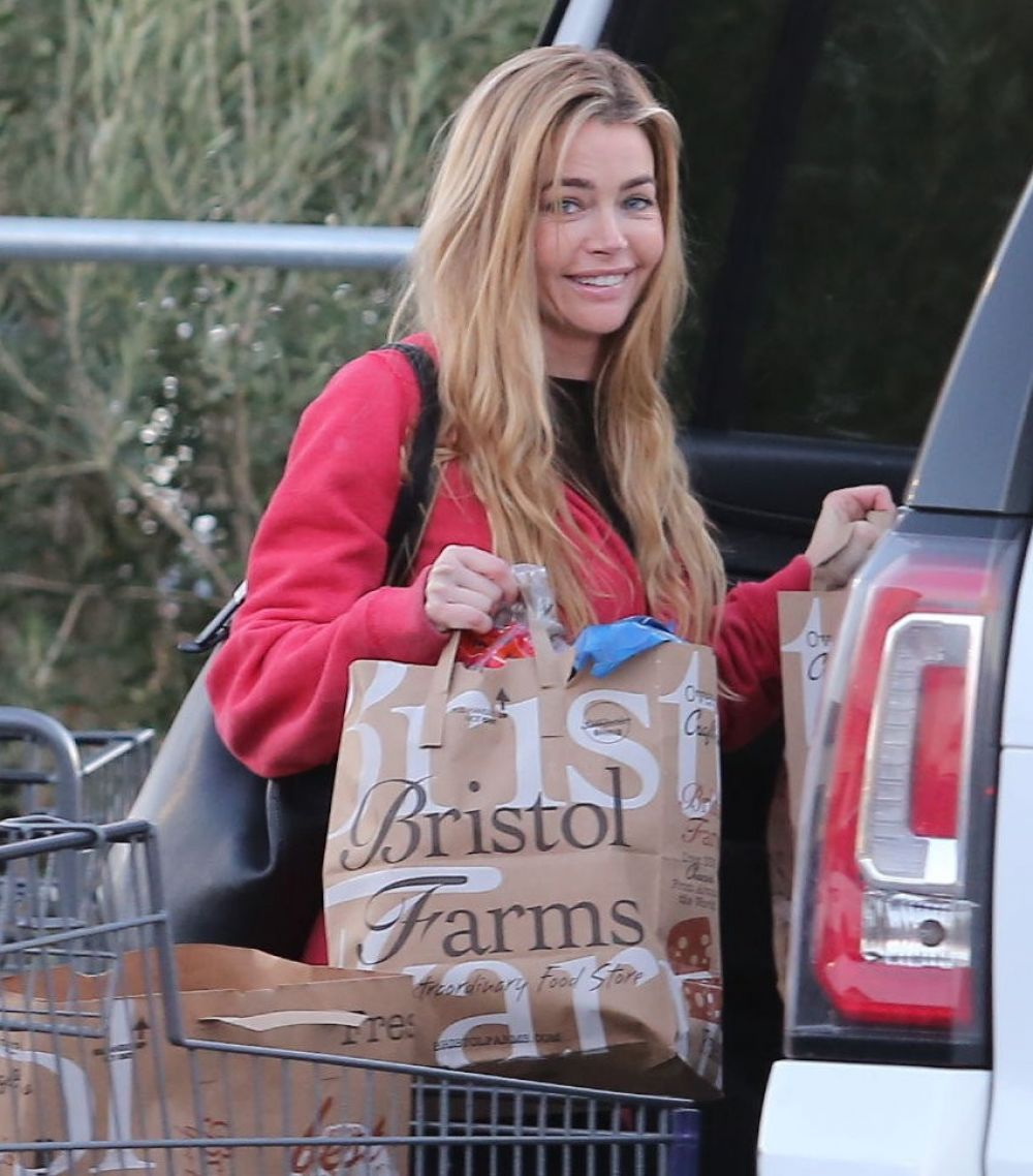 Denise richards uses a dildo and then gets fucked 9