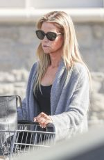 DENISE RICHARDS Shopping at Bristol Farms in Woodland Hills 02/02/2018