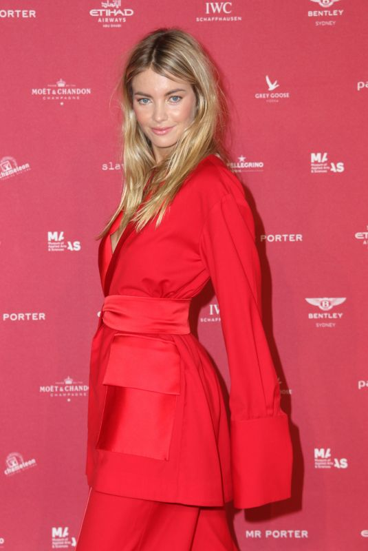 ELYSE TAYLOR at Inaugural Museum of Applied Arts and Sciences Centre for Fashion Ball in Sydney 02/01/2018