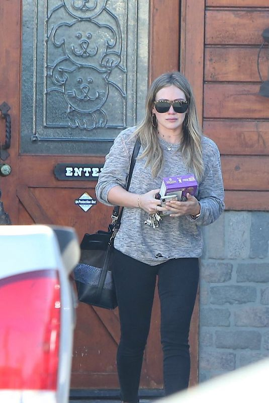 HILARY DUFF Leaves a Veterinarian in Studio City 02/18/2018