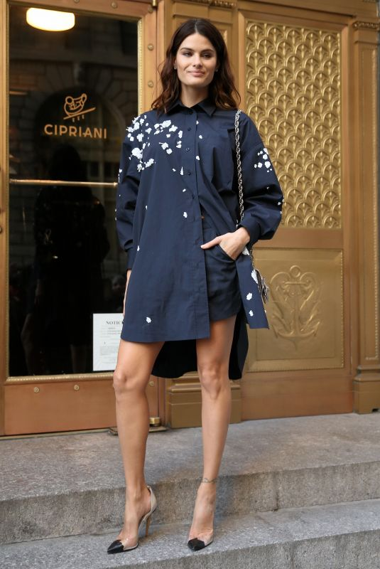 ISABELI FONTANA Arrives at Oscar De La Renta Fashion Show in New York 02/12/2018