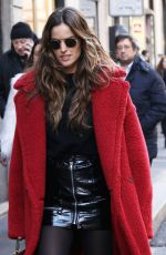 IZABEL GOULART Out and About in Milan 02/25/2018