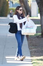 JENNIFER GARNER Out and About in Los Angeles 02/15/2018