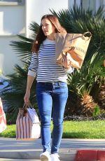 JENNIFER GARNER Out Shopping in Los Angeles 02/13/2018