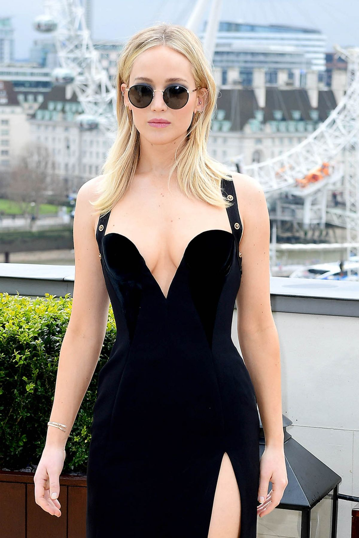 Jennifer Lawrence At Red Sparrow Photocall In London 0220 -6374