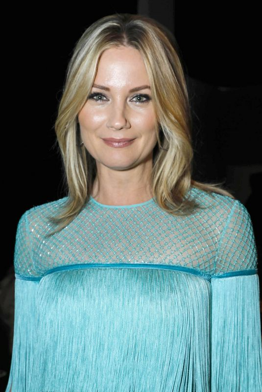 JENNIFER NETTLES at Naeem Khan Fashion Show at NYFW in New York 02/13/2018