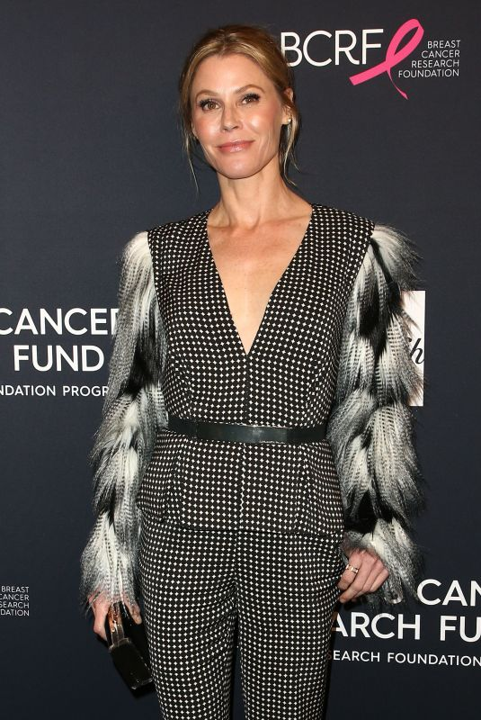 JULIE BOWEN at Womens Cancer Research Fund Hosts an Unforgettable Evening in Los Angeles 02/27/2018