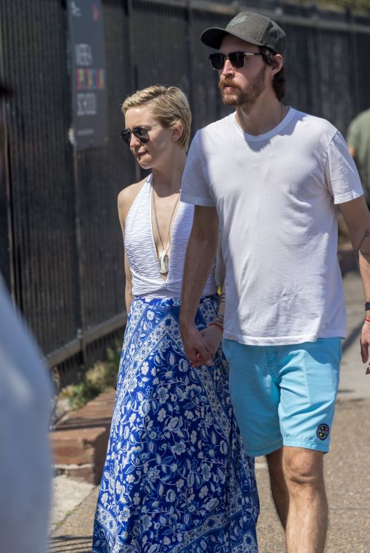 KATE HUDSON and Danny Fujikawa Out in Sydney 02/17/2018