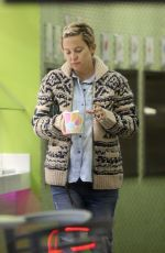 KATE HUDSON Out Shopping  in Los Angeles 02/26/2018