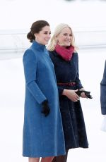KATE MIDDLETON Arrives at Oslo Gardermoen Airport 02/01/2018