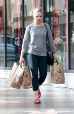 KRISTEN BELL Shopping at Trader Joe