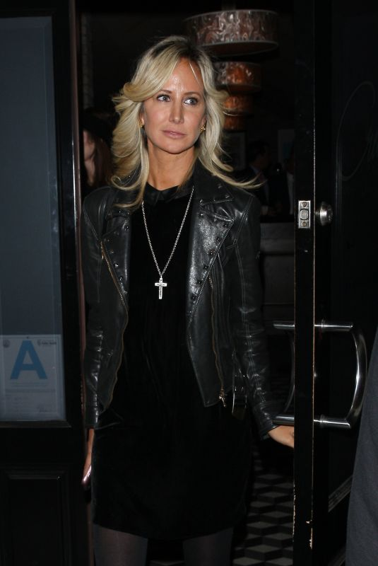 LADY VICTORIA HERVEY Leaves Craig