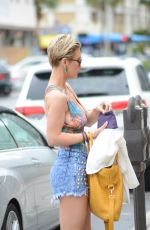 LAUREN HUBBARD Out Shopping in Miami 02/11/2018